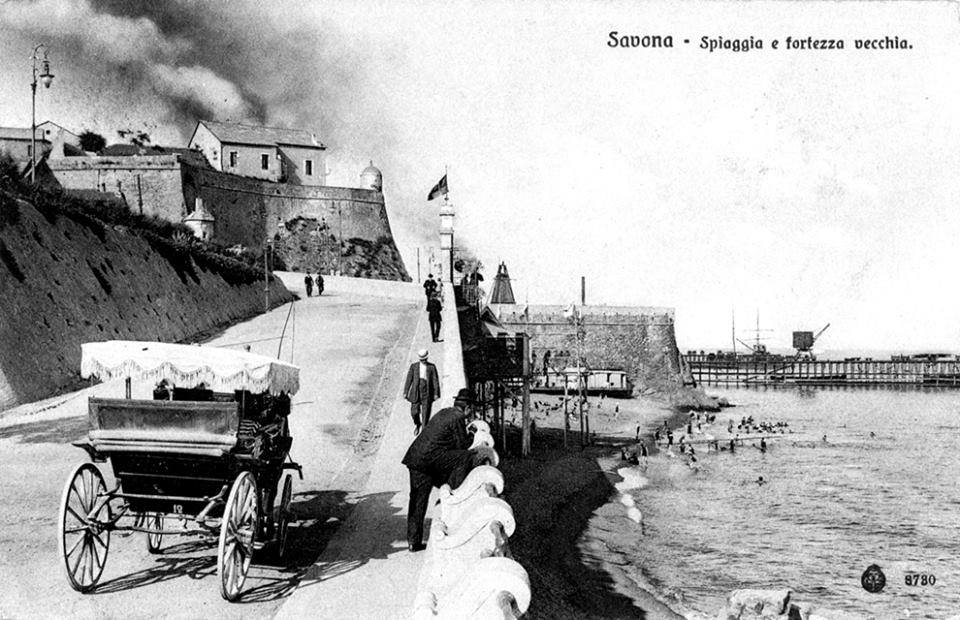 I fumi dell'ILVA (anni Dieci del XX secolo).