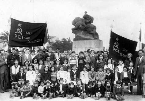 Secondo dopoguerra: crollata la dittatura l'ideologia comunista torna prepotentemente in primo piano contraddistinguendosi come l'ideologia dominante nel savonese.