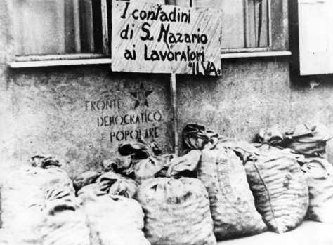 La generosità dei savonesi non ebbe limite: ai compagni dell'ILVA arrivarono ogni sorta di beni alimentari.