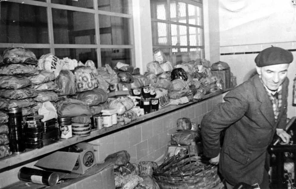 Pane, formaggio, pasta… la generosità non aveva limite.