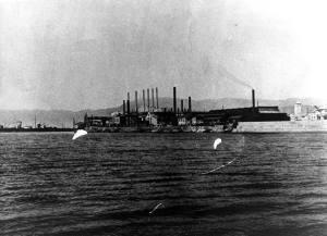 La Siderurgica fotografata dal mare (inizio XX secolo).