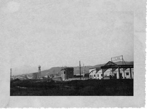 Deposito dell'ILVA tra Legino e Via Stalingrado: a poca distanza nacque il quartiere popolare di Piazzale Moroni.